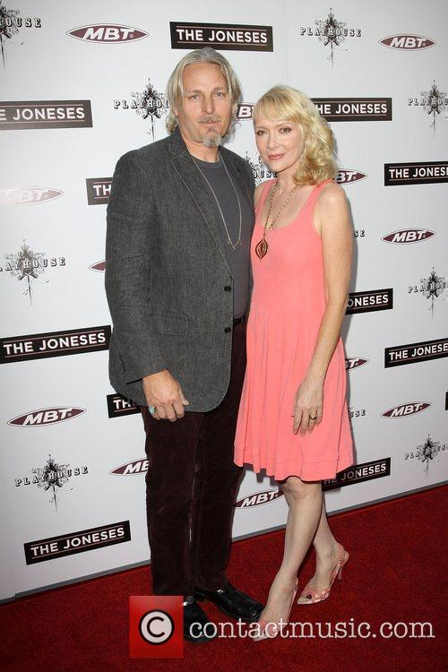 Glenne Headly and Byron Mcculloch 5