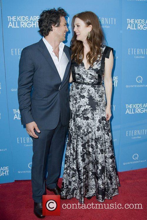 Julianne Moore and Mark Ruffalo 1