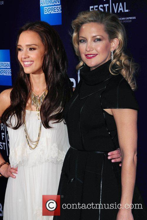 Jessica Alba and Kate Hudson 9