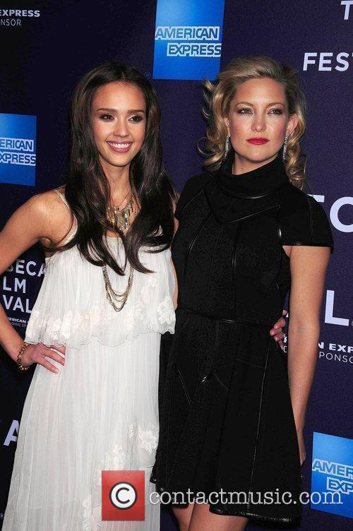 Jessica Alba and Kate Hudson 11