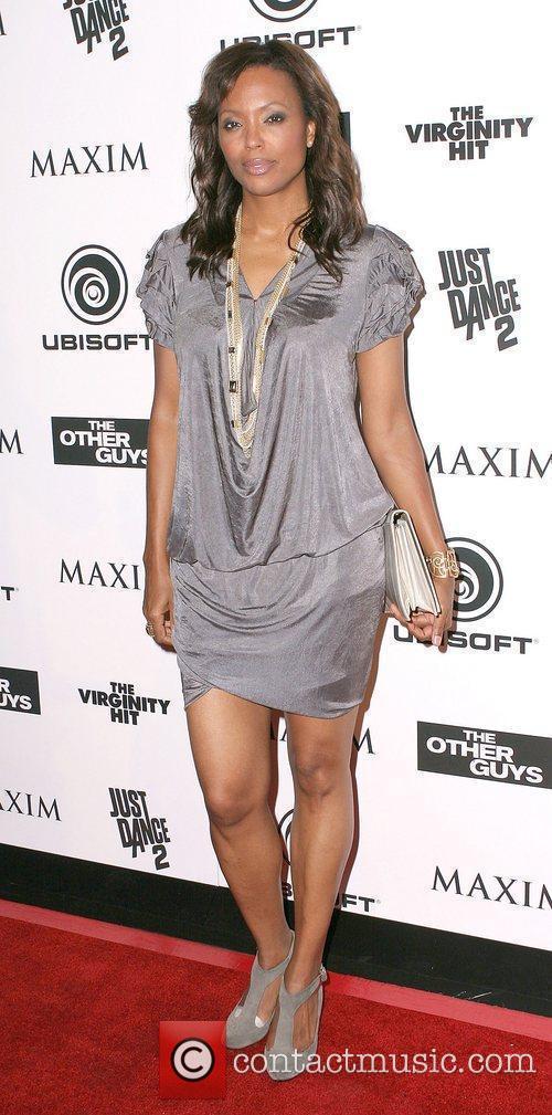 Beyonce little black dress