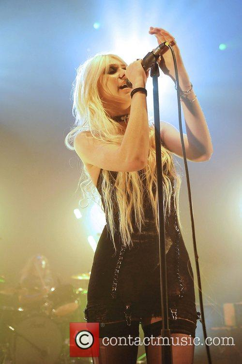Taylor Momsen and The Pretty Reckless 16