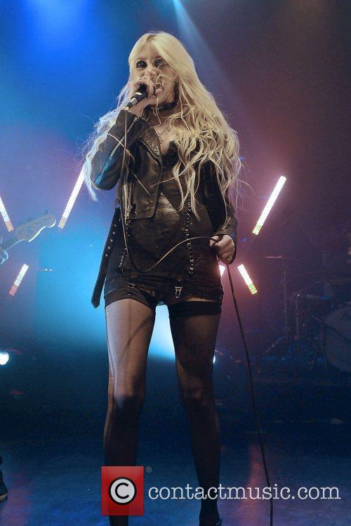 Taylor Momsen and The Pretty Reckless 13