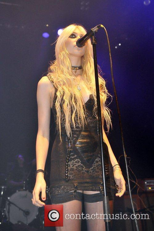 Taylor Momsen and The Pretty Reckless 14