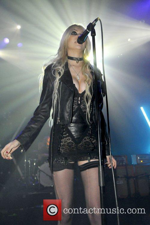 Taylor Momsen and The Pretty Reckless 18