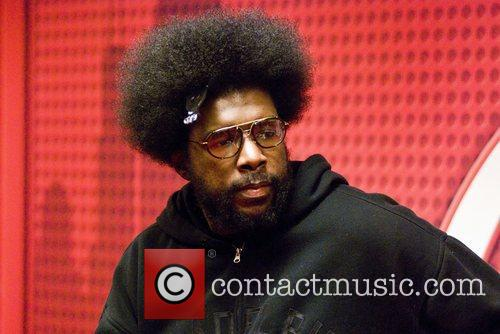 The Roots drummer, Questlove (?uestlove), stops by WGCI...