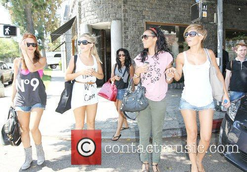 Una Healy, Mollie King, Rochelle Wiseman and The Saturdays 1