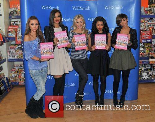 Una Healy, Mollie King, Rochelle Wiseman, The Saturdays and Vanessa White 2