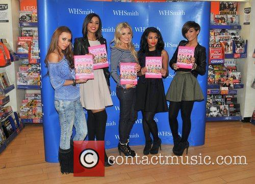 Una Healy, Mollie King, Rochelle Wiseman, The Saturdays and Vanessa White 3