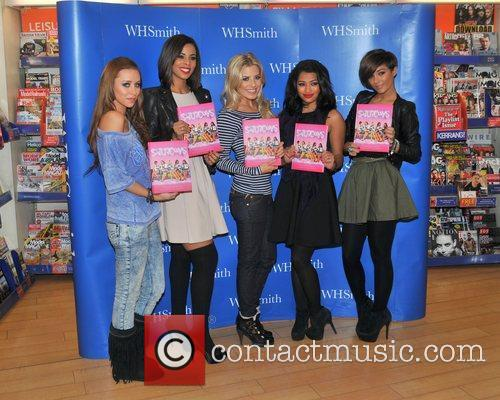 Una Healy, Mollie King, Rochelle Wiseman, The Saturdays and Vanessa White 4