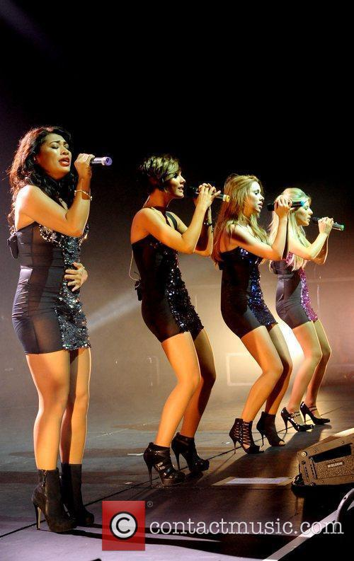 Vanessa White, Frankie Sandford, Mollie King, The Saturdays and Una Healy 1