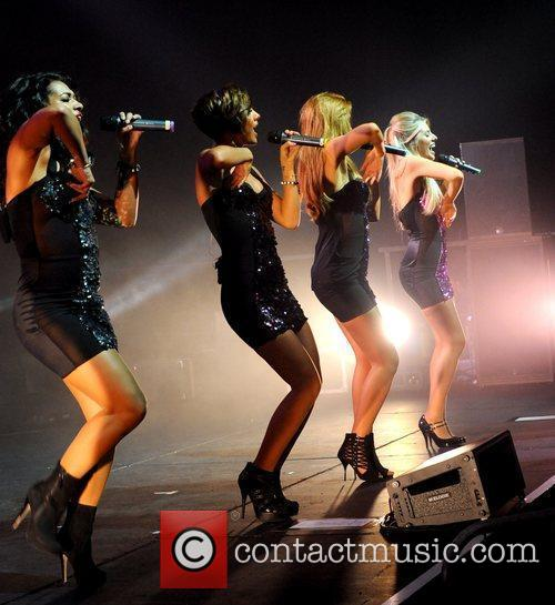 Vanessa White, Frankie Sandford, Mollie King, The Saturdays and Una Healy 3