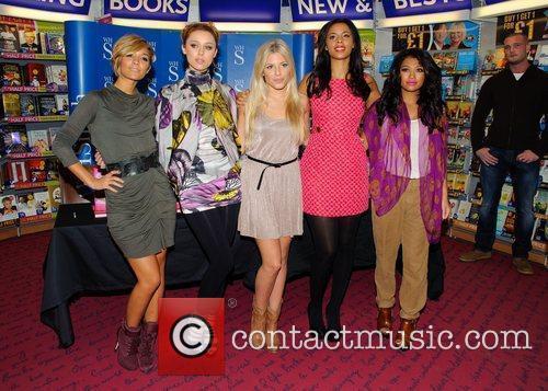 Frankie Sandford, Mollie King, Rochelle Wiseman, The Saturdays, Una Healy and Vanessa White 3