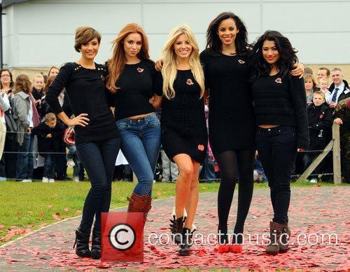Frankie Sandford, Rochelle Wiseman, The Saturdays, Una Healy and Vanessa White 7