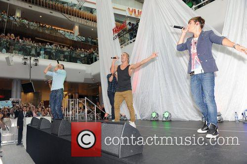 Perform a concert at the Westfield shopping centre...