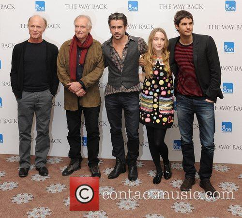 Ed Harris, Colin Farrell, Jim Sturgess, Peter Weir and Saoirse Ronan 11