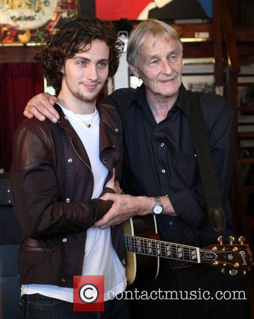 Aaron Johnson and John Lennon 5