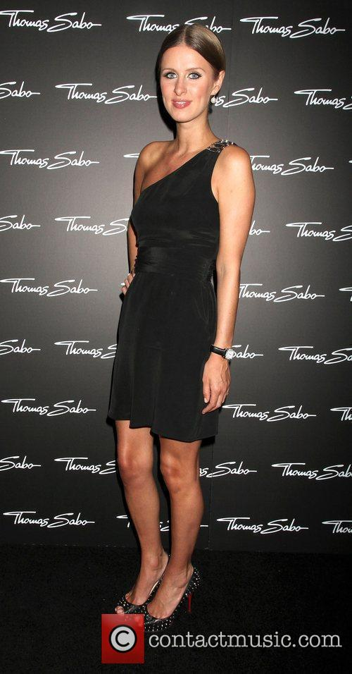 Arrive at the opening of the Thomas Sabo...
