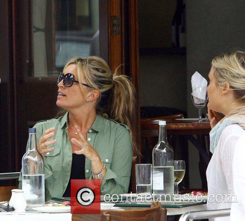 Tina Hobley having lunch with friends at Lemonia...