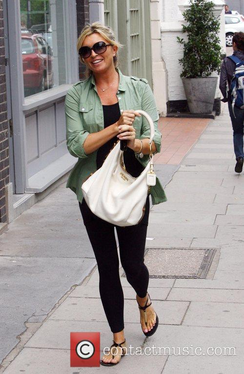 Tina Hobley Does a spot of shopping after...