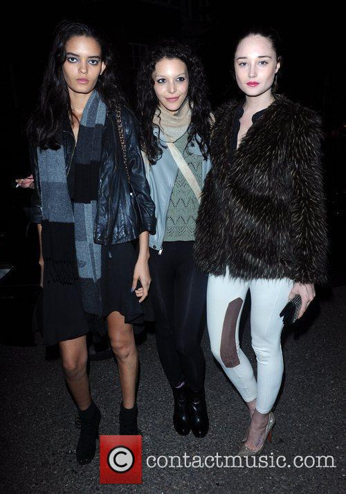 Misha Simpson (centre) from Britain's next top model,...