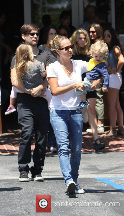 Tobey Maguire, His Wife Jennifer Meyer (r) With Their Daughter Ruby Sweetheart and Son Otis Tobias Leaving Fred Segal In West Hollywood