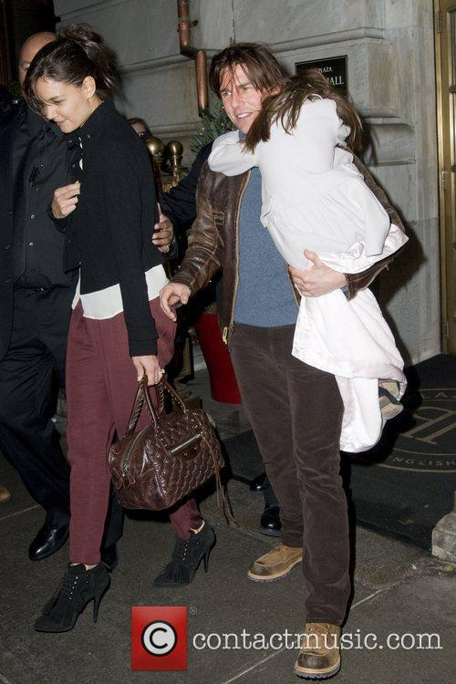 Tom Cruise, Katie Holmes and Suri Cruise out...