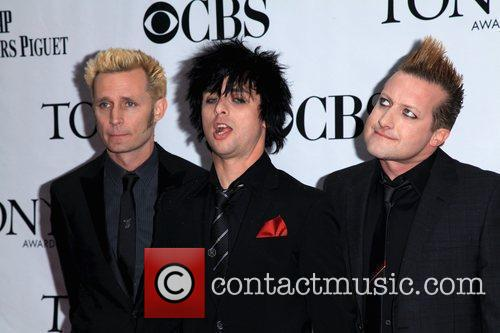 Mike Dirnt, Billie Joe Armstrong and Green Day 7