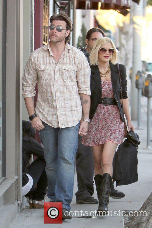 Dean Mcdermott and Tori Spelling 10