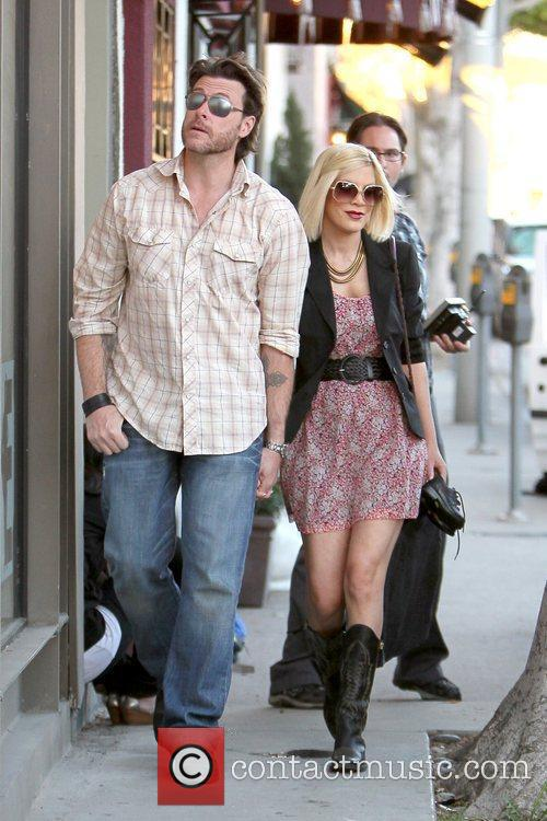 Dean McDermott and Tori Spelling 21