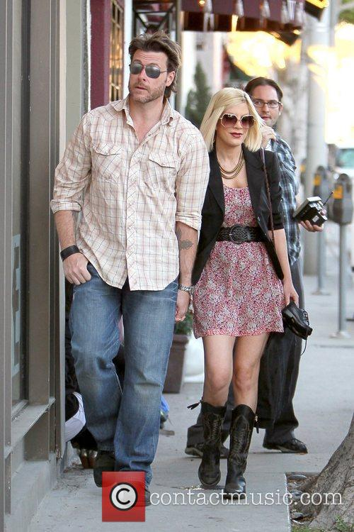 Dean McDermott and Tori Spelling 22