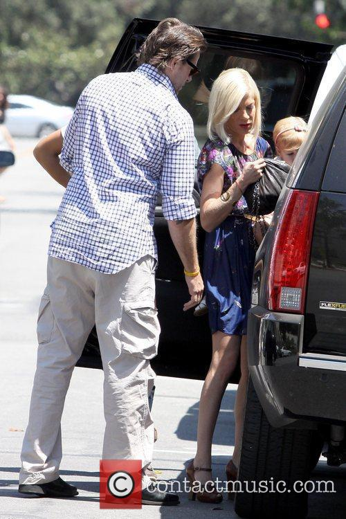 Dean Mcdermott, All Saints and Tori Spelling 5