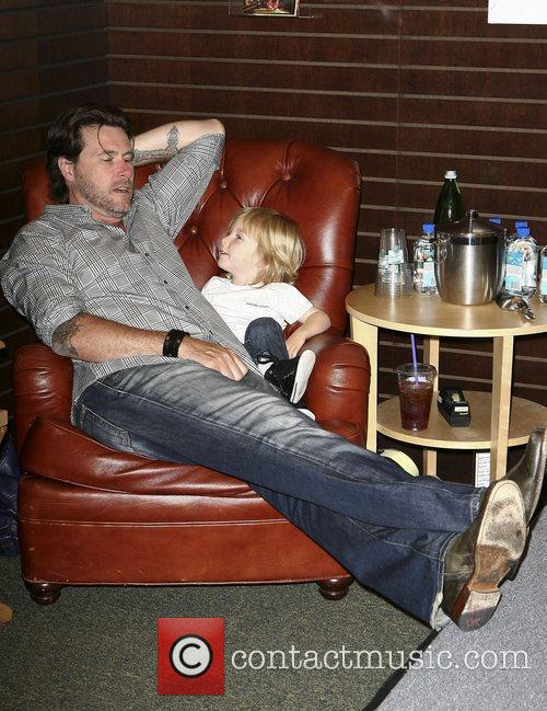 Dean Mcdermott and Son Liam Mcdermott 3