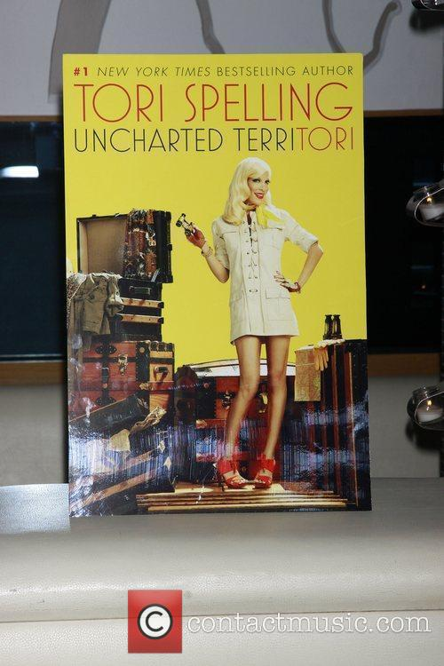 Atmosphere and Tori Spelling 3