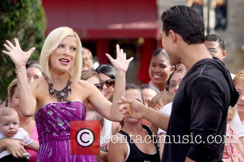 Tori Spelling and Mario Lopez 3