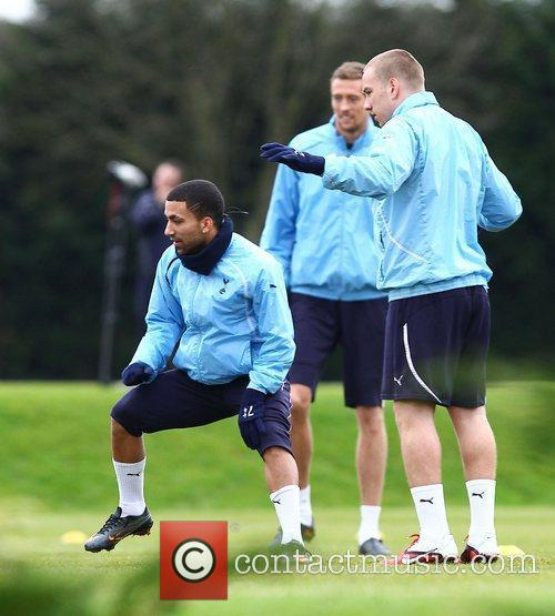 Aaron Lennon and Peter Crouch 1
