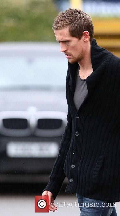Peter Crouch  leaving after training with Tottenham...