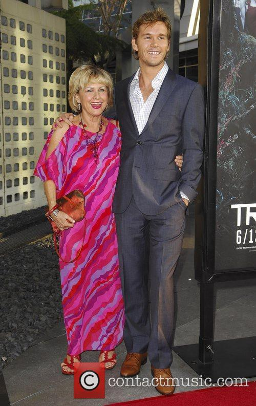 Ryan Kwanten and mother Kris 1