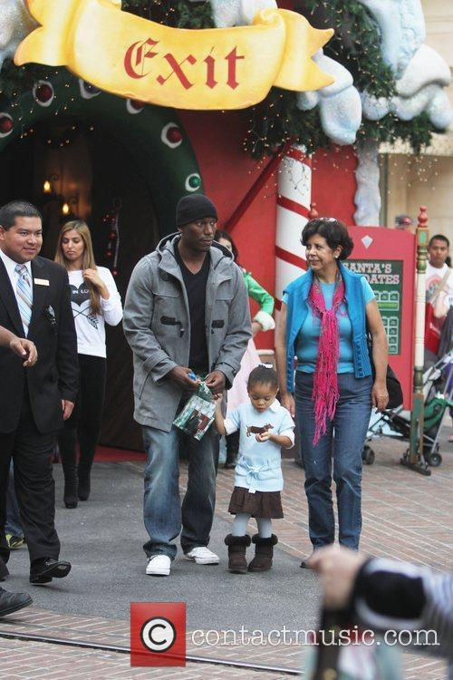 Tyrese Gibson takes his daughter to see Santa...