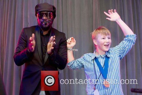 Black Eyed Peas and Mc Hammer 3
