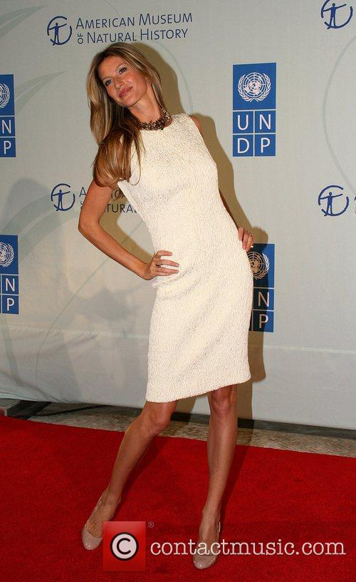 Attends the 2010 United Nations MDG Summit kick...