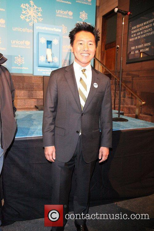 is vern yip gay. UNICEF Ambassador, Vern Yip UNICEF Snowflake Lighting ...