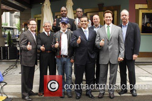 Arnold Schwarzenegger and Steven Spielberg 10