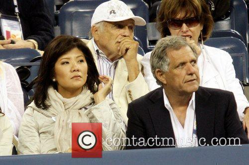 Julie Chen Celebrities watching the women's semifinals match...