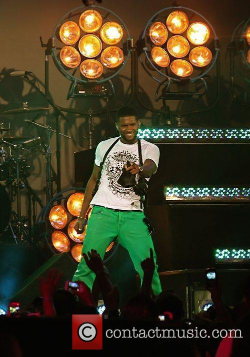 Usher and Jimmy Kimmel 5
