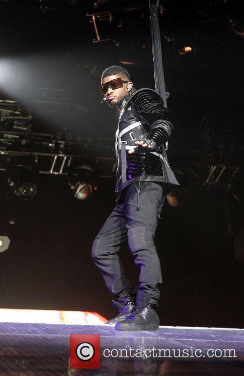 Usher and Las Vegas 13