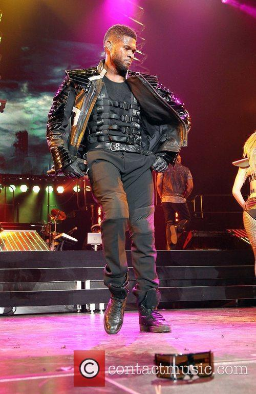 Usher and Las Vegas 20