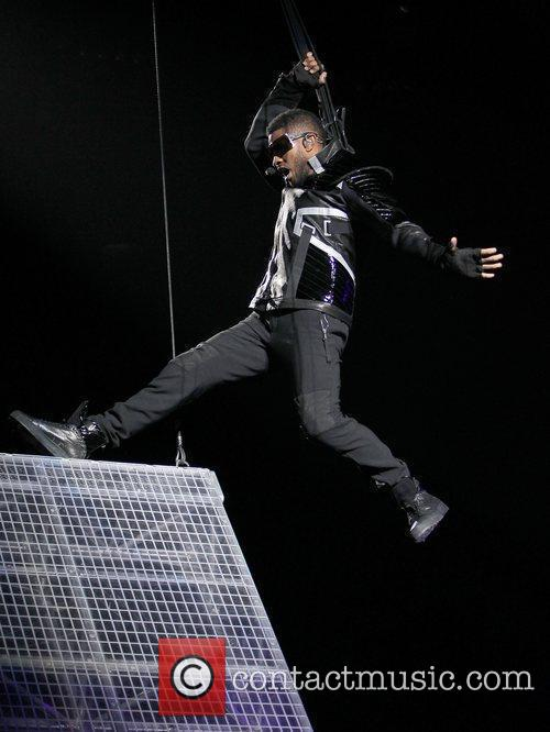 Usher and Las Vegas 11