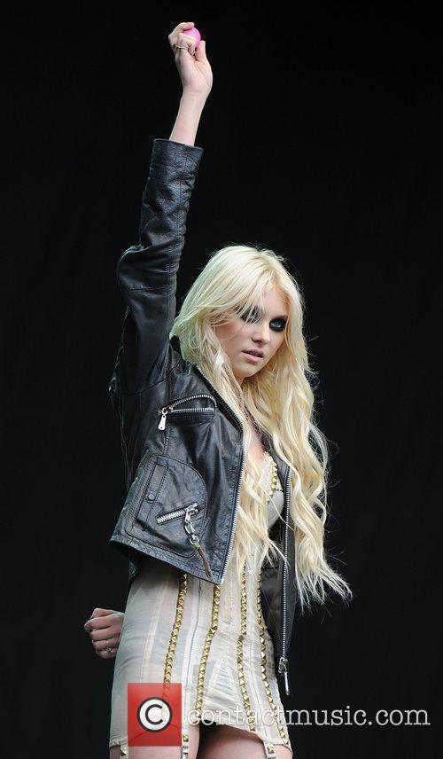 Taylor Momsen of The Pretty Reckless The V...