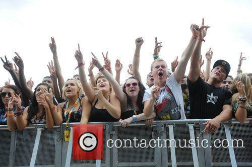Crowd 8